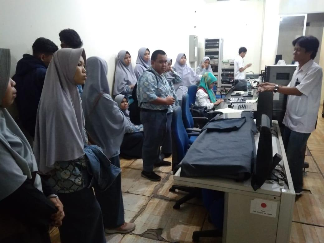 Fieldtrip Jurusan IPS ke TVRI Sulsel